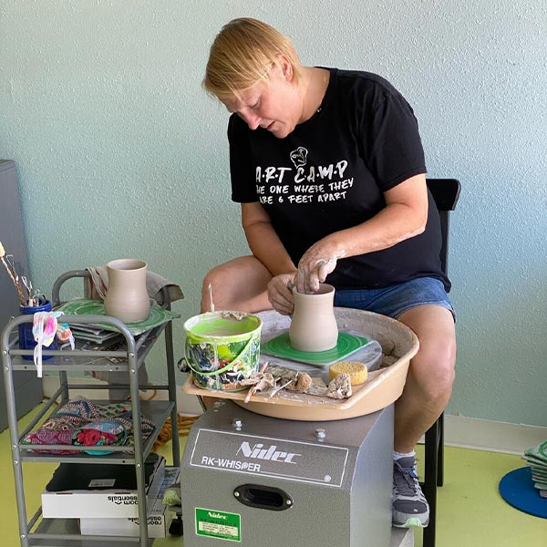 rent a pottery wheel in St. Petersburg Florida